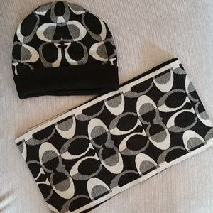 Coach winter scarf and hat set